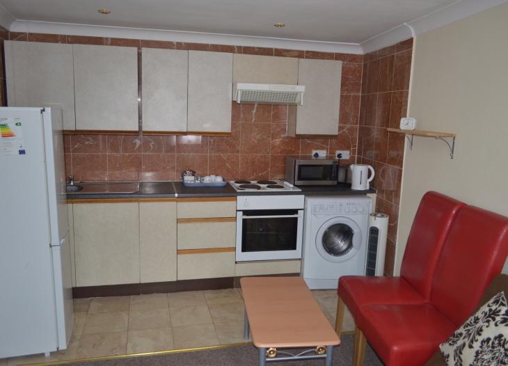 Studio rm 4 -kitchen